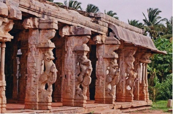 chandikesvara-temple-hampi