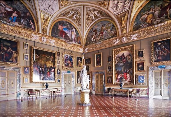 Painting_Gallery_Pitti_Florence_Italy